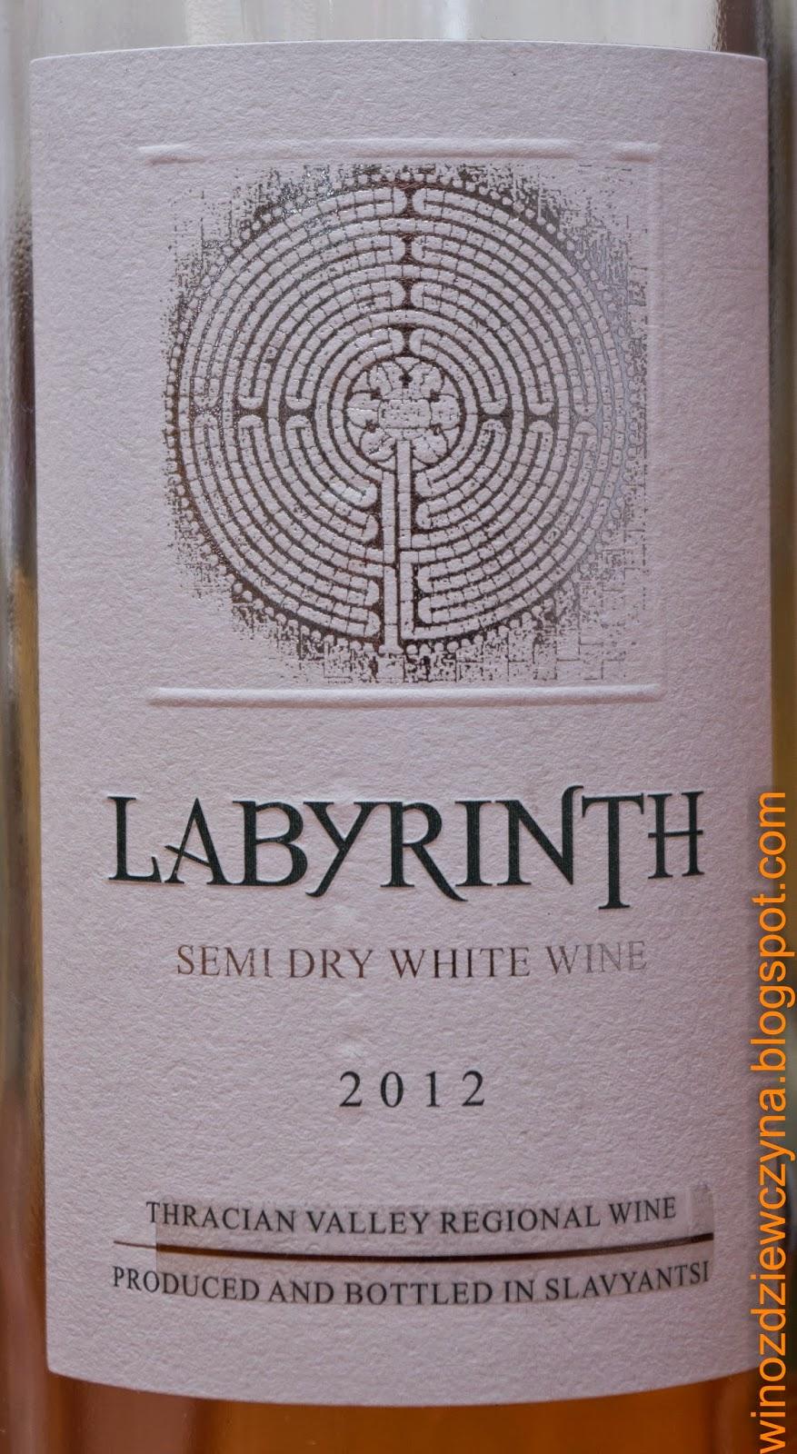 wino białe półwytrawne