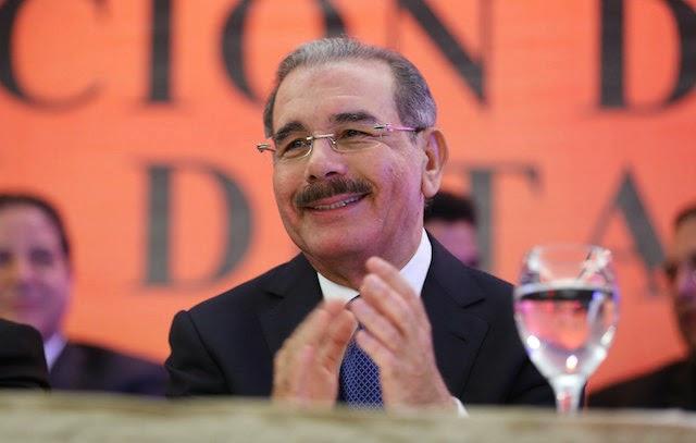 Danilo Medina felicita a Gigantes del Cibao