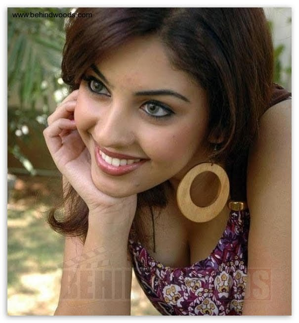 Actress Richa Pictures