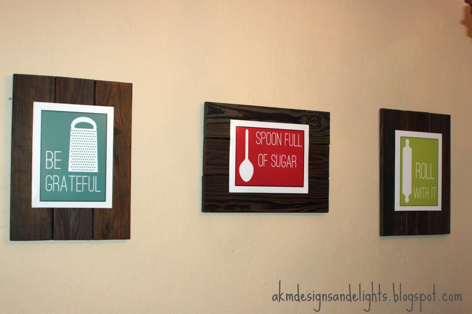 AKM designs and delights: Reclaimed Wood Art Display