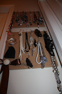 Cork Board Jewelry Holder - www.thelifeofawannabesupermom.blogspot.com