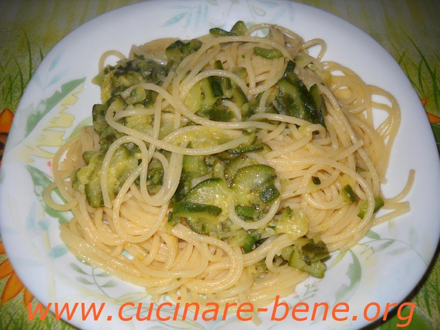 Ricetta pasta e zucchine cucinare bene ricette for Cucinare a 70 gradi