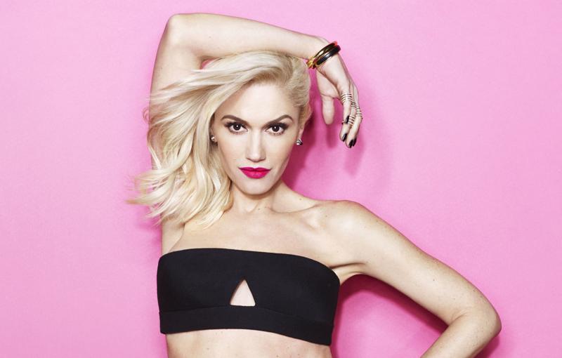 Gwen Stefani makeup pink