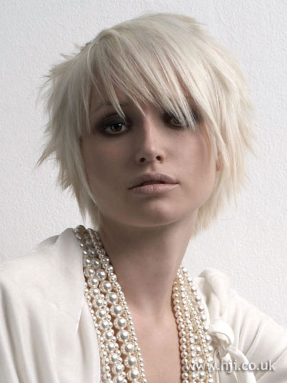 short blonde hairstyles 2012