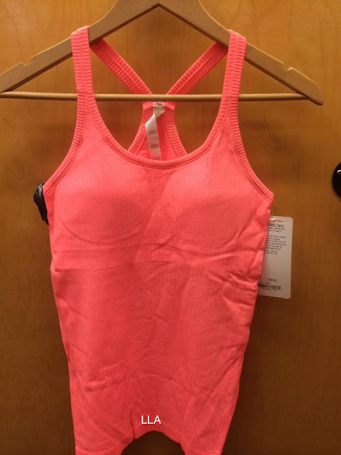 lululemon-grapefruit-ebb-to-street