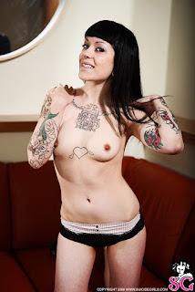 wet pussy - Gypsy_%2528SG%2529_Back_Room_16.jpg