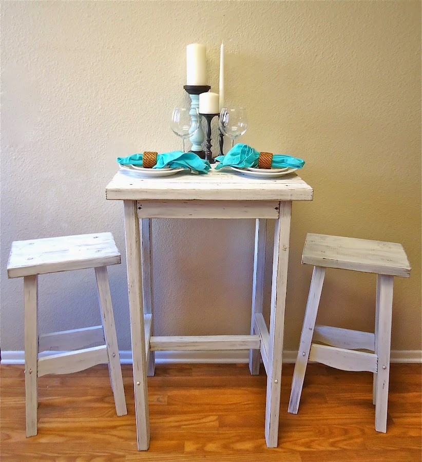 Cottage Chic Dining Table & Chairs - SOLD