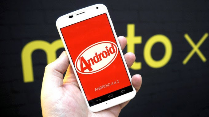 Canadian Moto X and Moto G getting Android 4.4.2 update