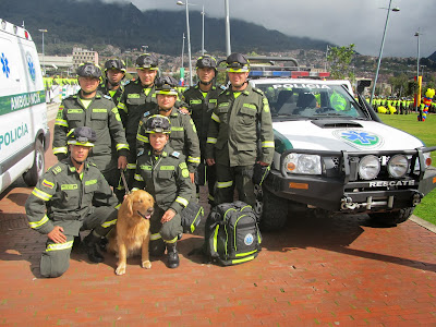 Police k9 colombia perros de rescate polic as para salvar vidas - Oficina policia nacional ...