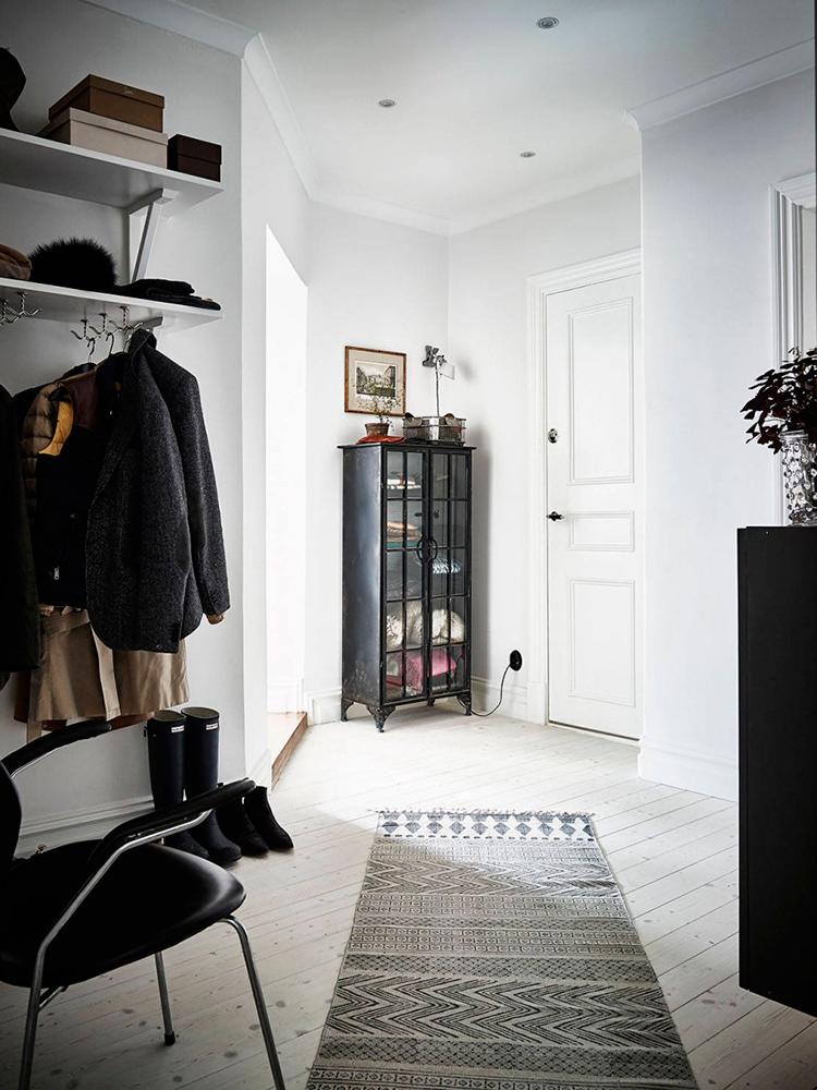 Blanco y negro con glamour alquimia deco for Corredor deco blanco y negro