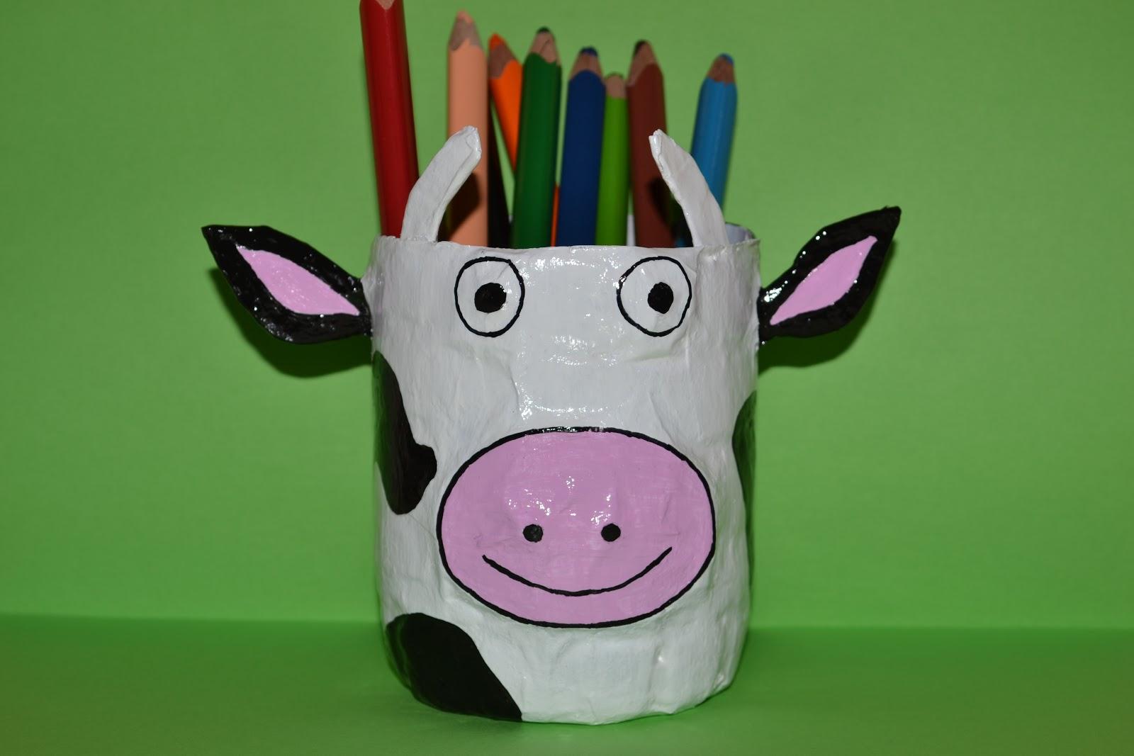 Cola papel tijeras lapicero vaca - Como se hace manualidades ...