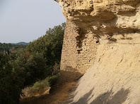 Vista del cantó de llevant de la base del Castell de la Popa