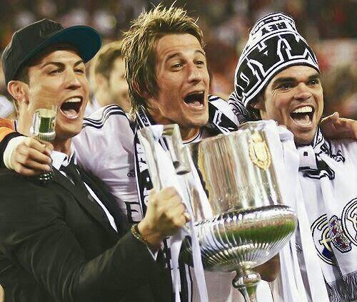 بالصور احتفالات ريال مدريد بالتتويج بلقب كأس الملك
