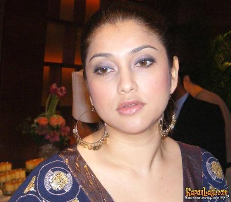 Kamapisachi Indian Actress Without Dress - 2014
