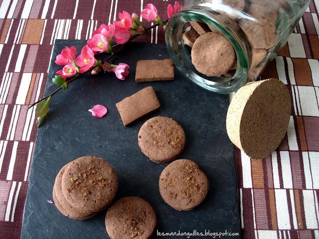 biscotti con farina di castagna e cacao al limone