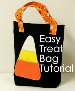 http://cluckclucksew.com/2009/10/easy-treattote-bag-tutorial.html