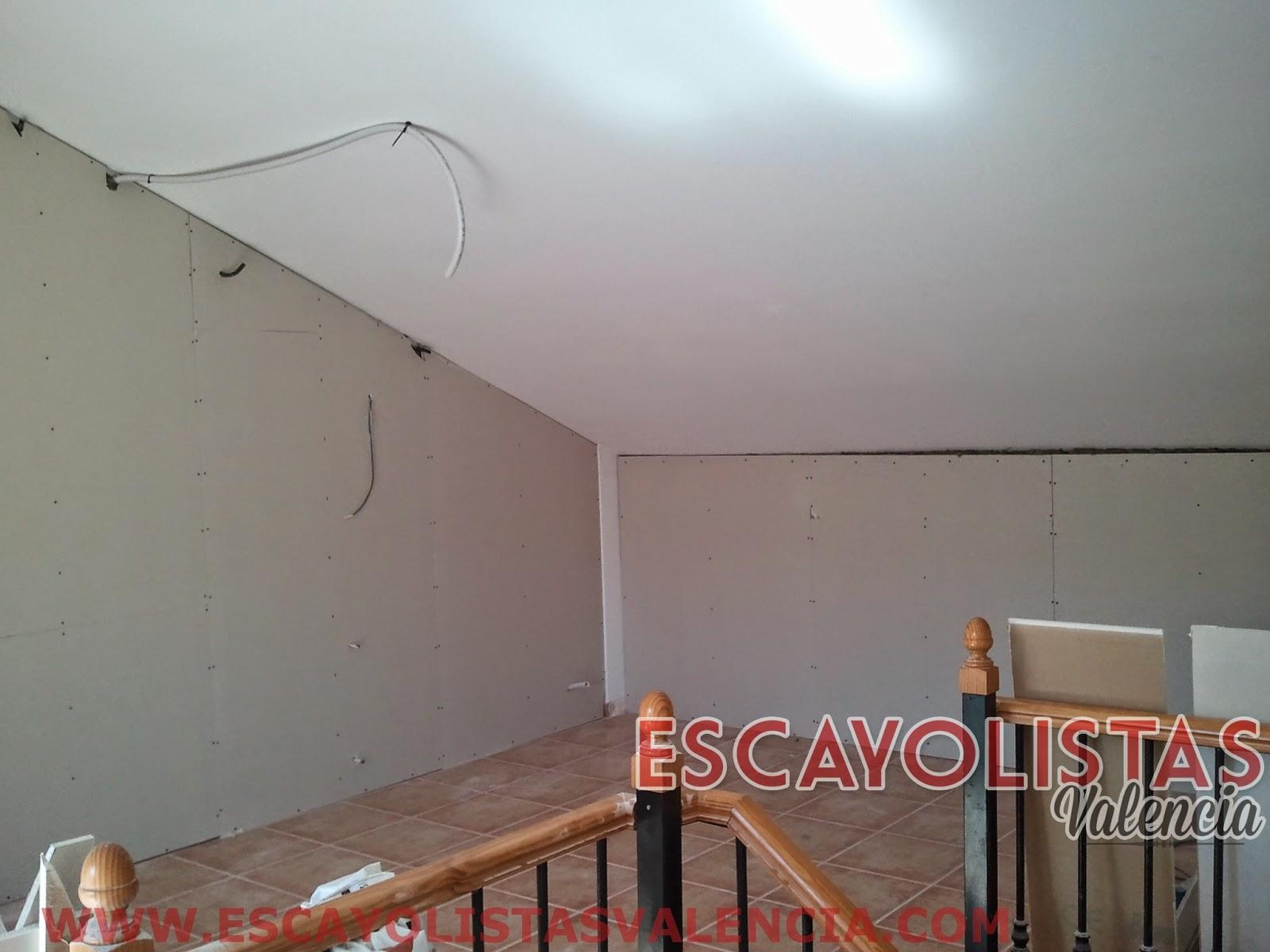 Como colocar placas de pladur en paredes y techos pladur for Como poner chirok en el techo