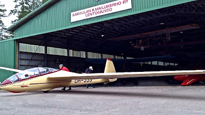 Karhulan Ilmailukerho Ry lentomuseo