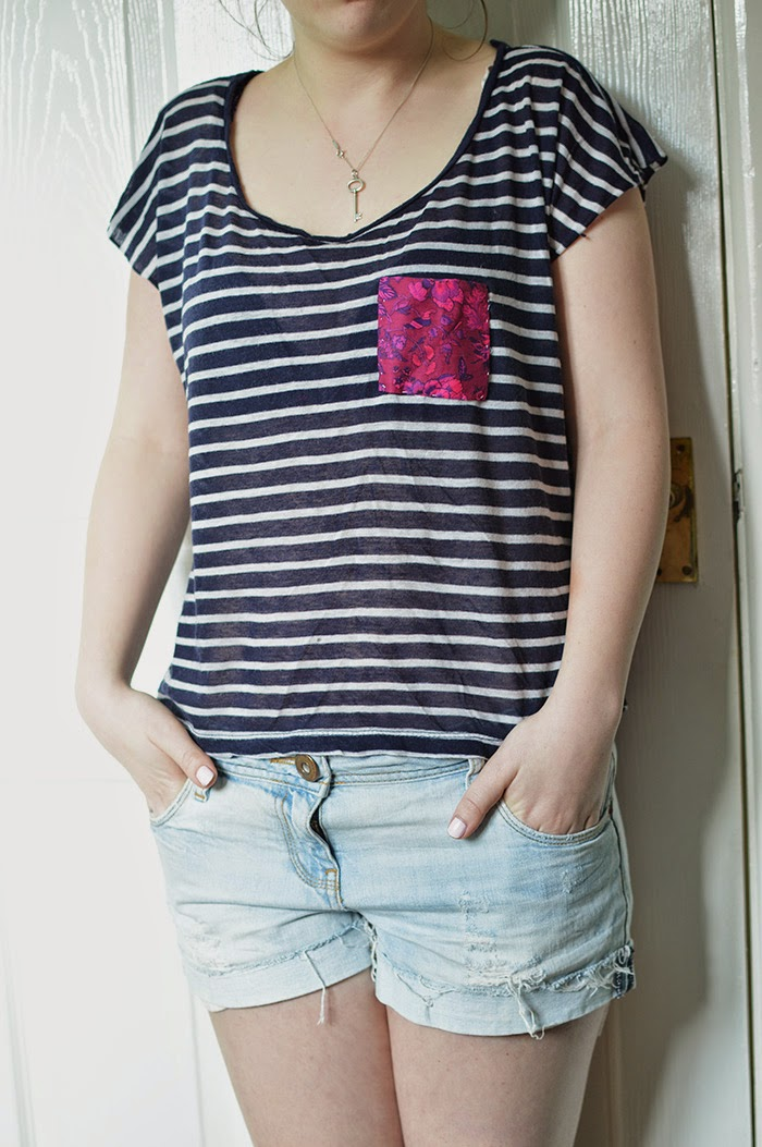 DIY POCKET T-SHIRT