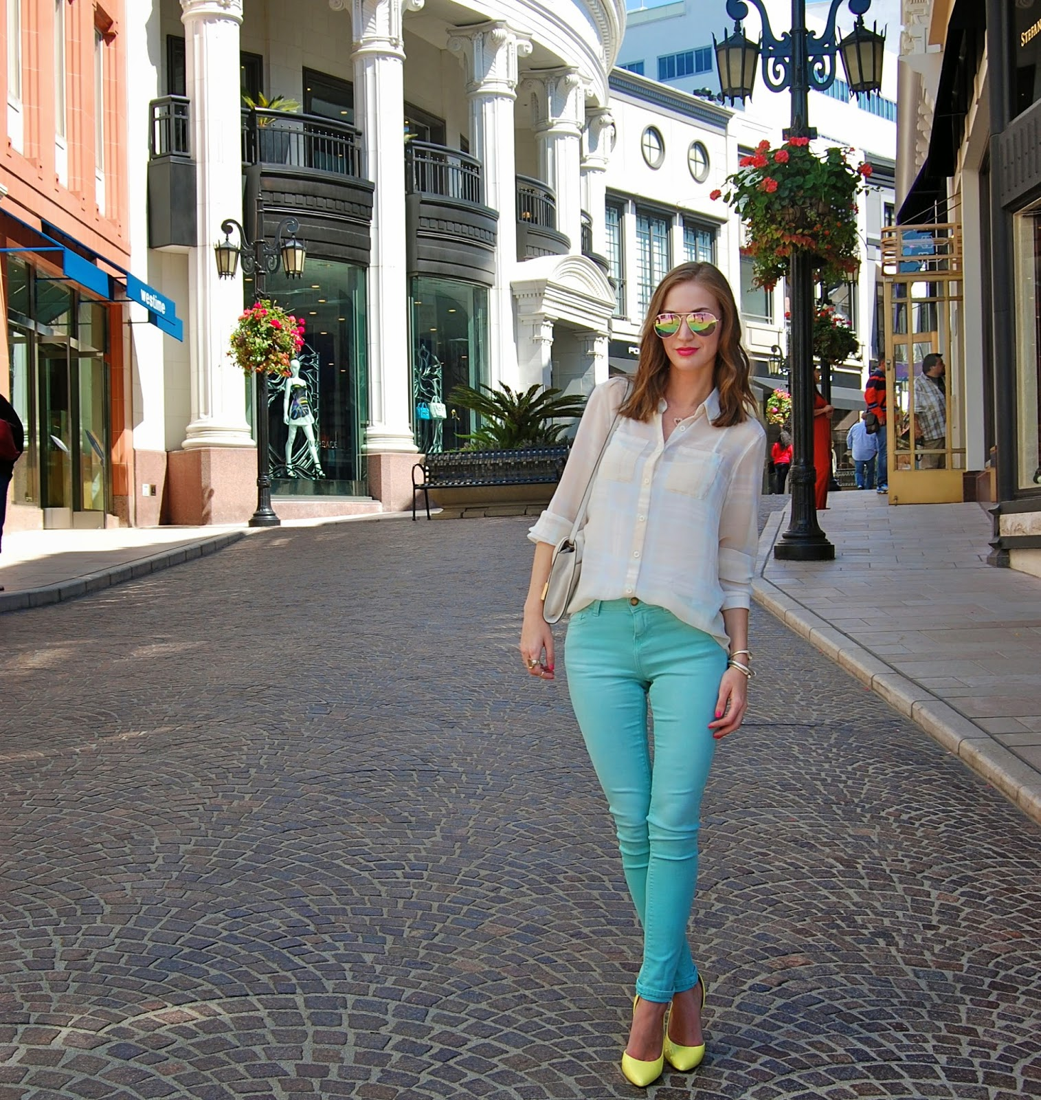 Rodeo Drive, Zara skinny jeans, yellow heels, mirrored sunglasses