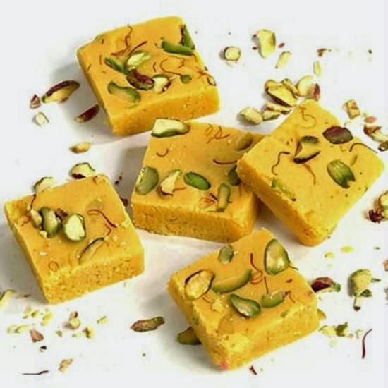 http://recipes.sandhira.com/besan-ki-burfi.html