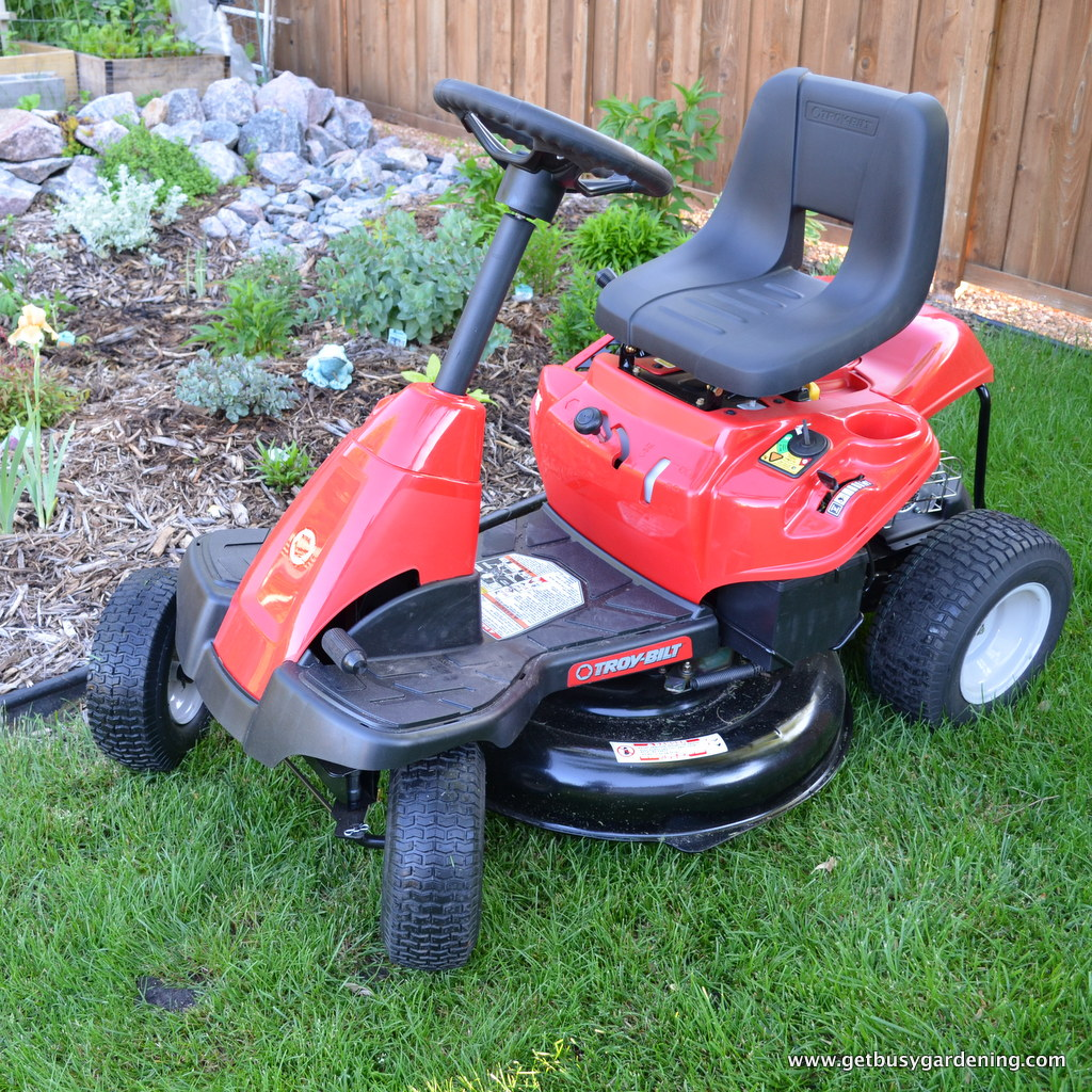 product review troy bilt neighborhood riding mower. Black Bedroom Furniture Sets. Home Design Ideas