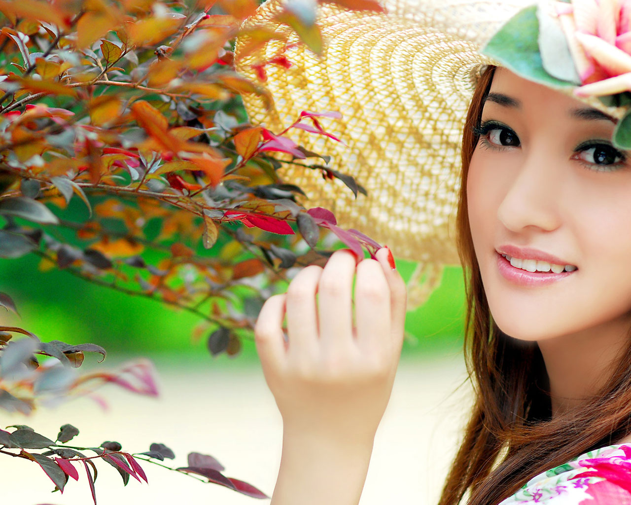 Cute Girl With Sweet Style Wallpaper   Lovely Girl In Colorful Garden