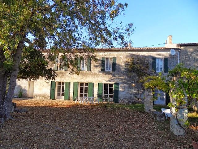 http://www.location-saint-georges-d-oleron.com/pages/maison-dymar-pour-8-a-10-personnes.html