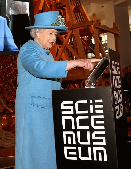 a visit to an science exhibition To date over 3 million people have experienced 40 unique science exhibitions -  4 of which toured various locations around the world, ranging from living art.