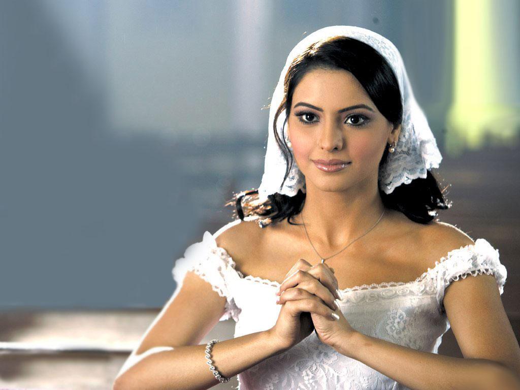 http://1.bp.blogspot.com/-lv1foISRfnY/TaMFsMqnxjI/AAAAAAAAGbU/MRT9o3EWpxA/s1600/Amna-Sharif-38.jpg