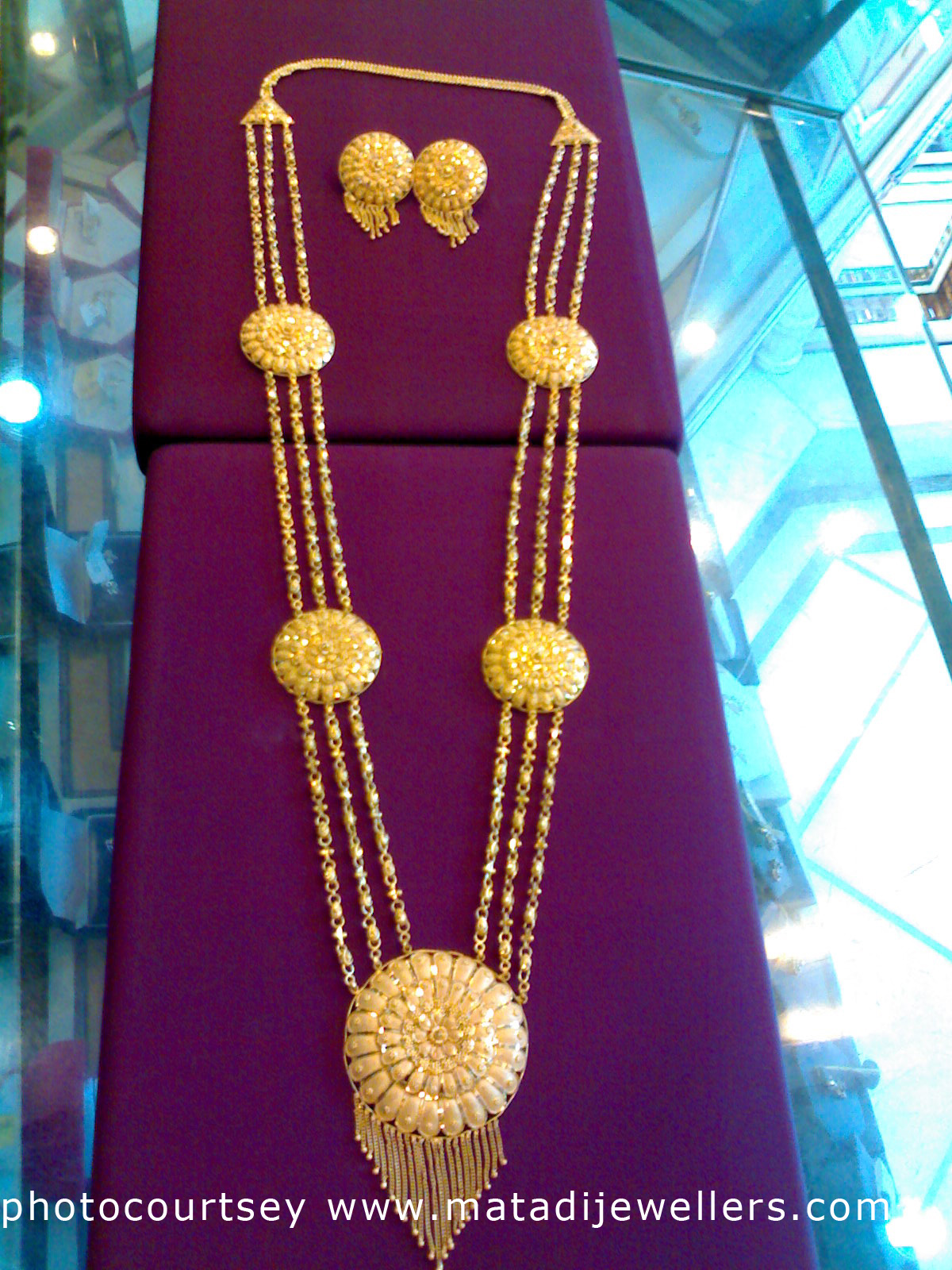 Indian Blush: Traditional Bengali Gold Necklace Designs with Price ...