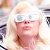 FOTOS HQ: Lady Gaga saliendo de su apartamento en New York - 17/12/14