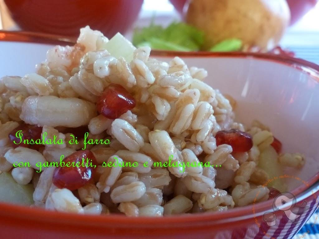 farro in insalata con gamberetti, sedano e melagrana....una fresca proposta non solo d'estate ^_-