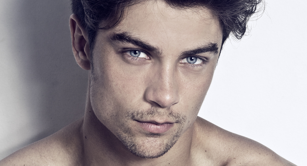 brazil model with blue eyes brown hair height 6 2 chest 39 waist 32 ...