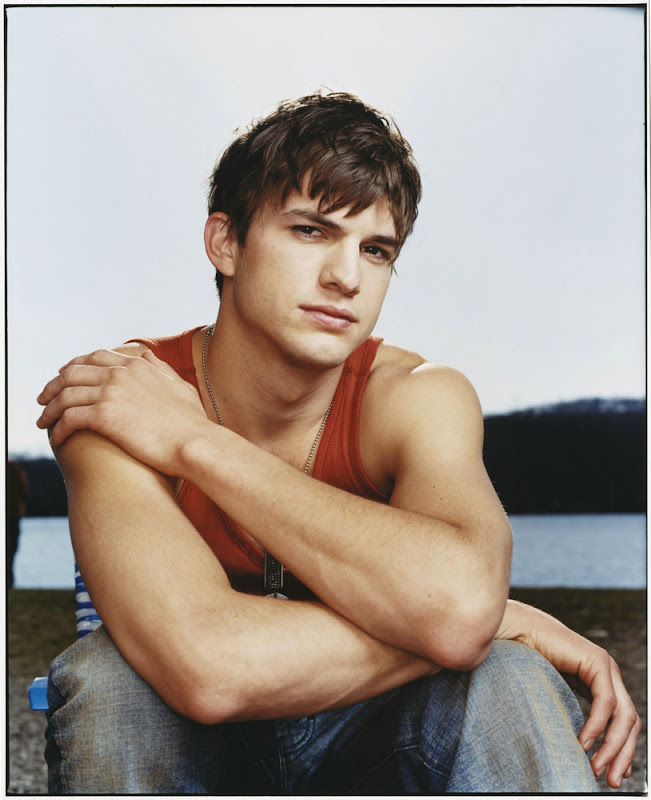 Ashton Kutcher Bio & Story From Demi Moore To Sara Leal ... Ashton