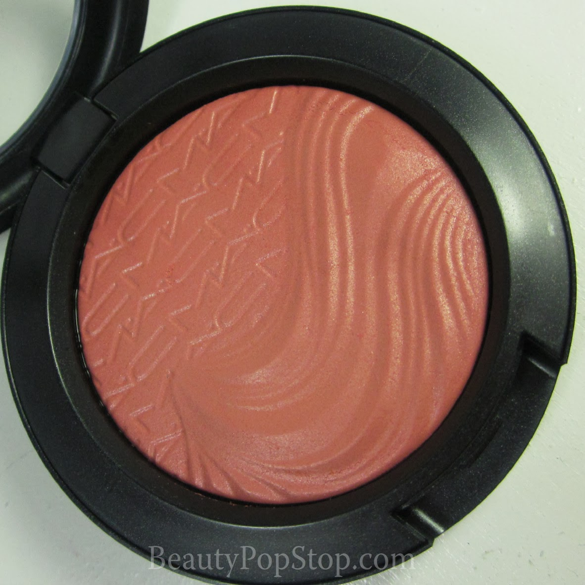 mac magnetic nude autoerotique extra dimension blush swatch and review