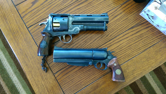 Blind Squirrel Props - Hellboy gun & Sideshow Collectibles Samaritan