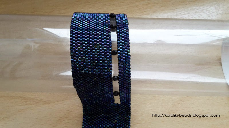 Bransoletka z koralików Toho wykonana techniką peyote niebieska