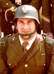 A la memoria de mi amigo y compañero Antonio Beltrán fallecido en accidente a finales de los 80.