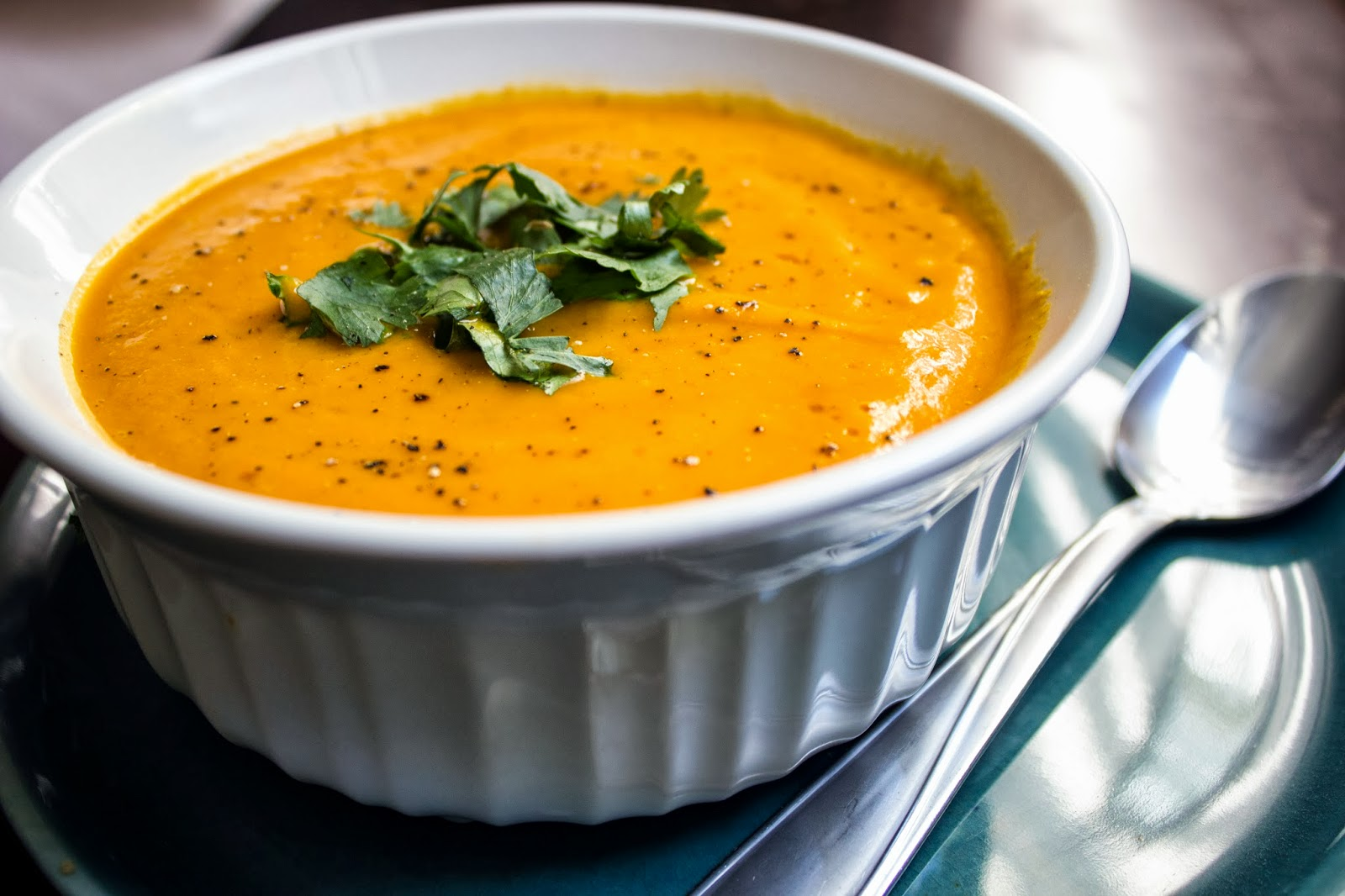 Clean. Raw. Living: Carrot Ginger Soup