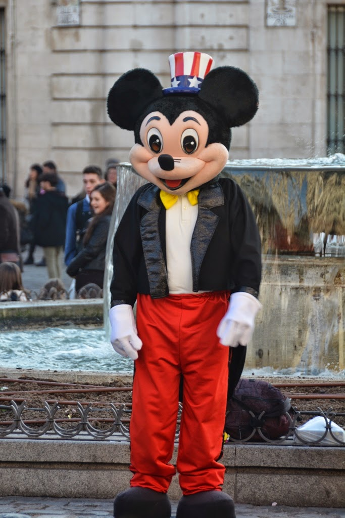 Puerta del Sol Madrid Mickey