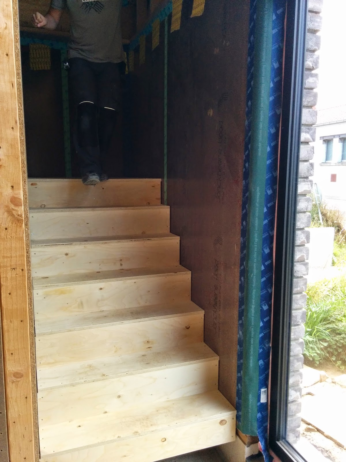 Verwarming badkamer en trap bouwen in vertrijk for Trap bouwen