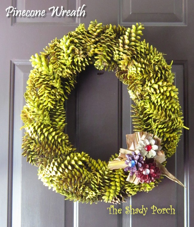 Pine Cone Wreath #Fall #decorations #doordecor# Pinecones