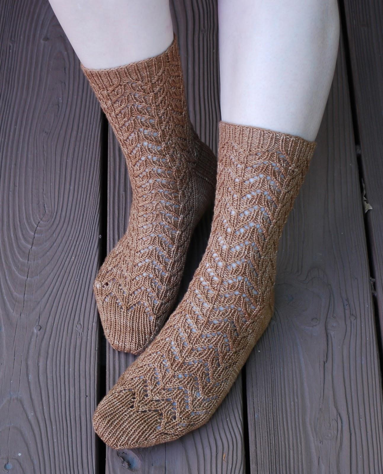 Knit/Wit: Pattern Re-release: Corbusier Socks