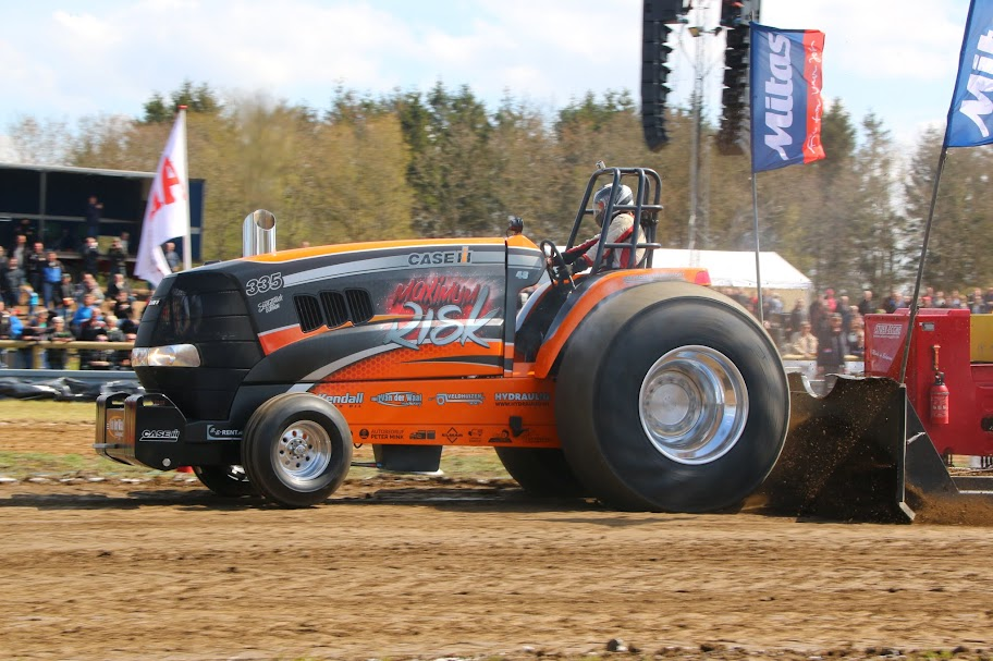 Case Ih Pulling Tractors : Tractor pulling news pullingworld changes at