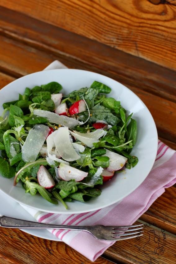 salatka z lisci mlecza