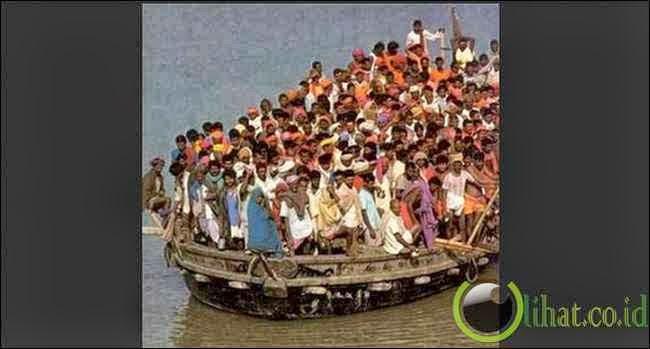 Awas Perahu Terbalik!