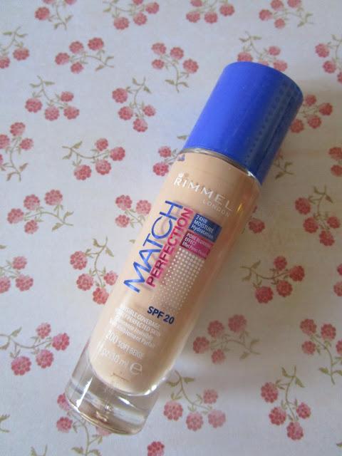 Base de maquillaje Match Perfection Foundation Rimmel London