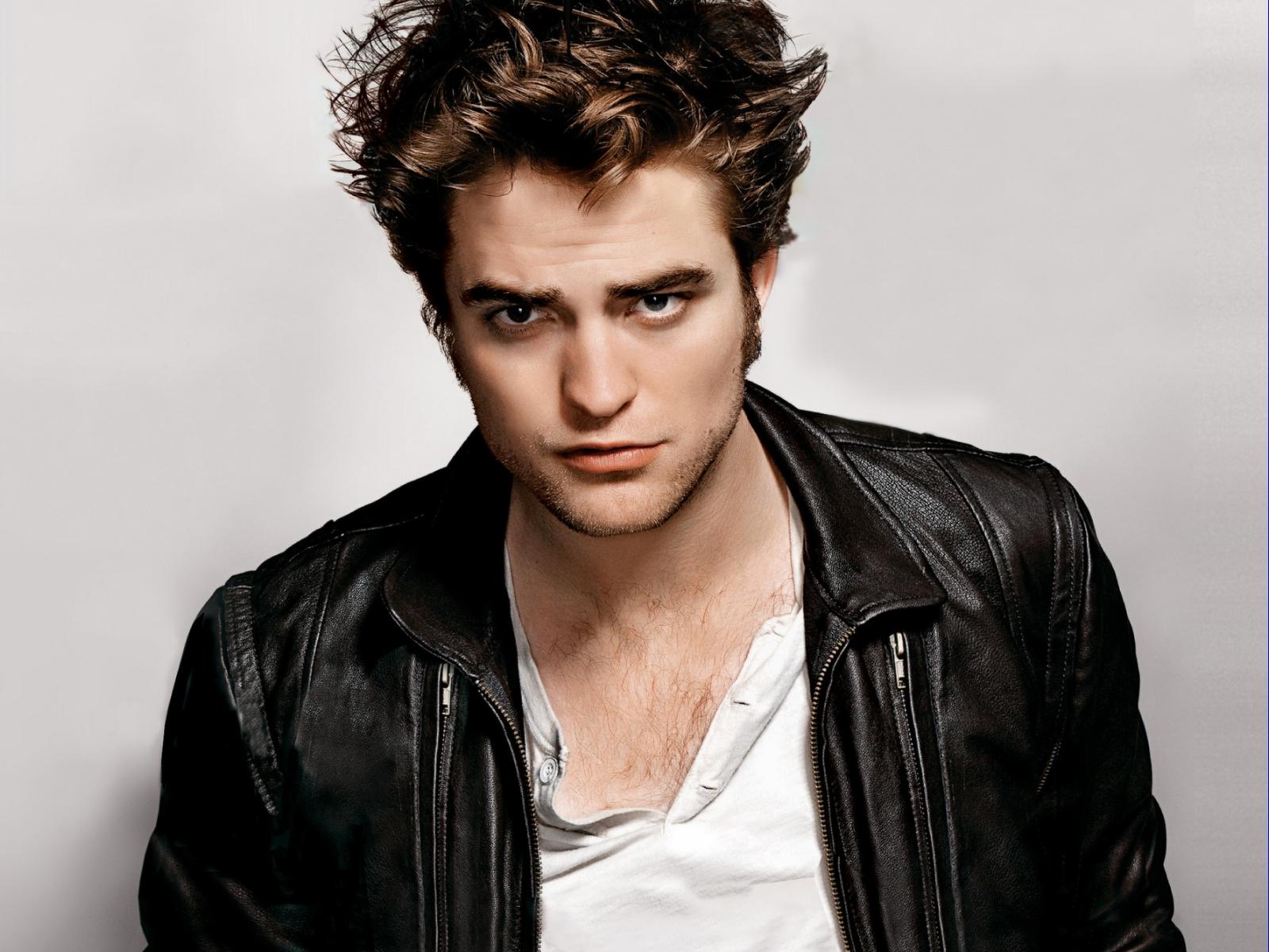 http://1.bp.blogspot.com/-lxcFNLVFmiQ/T0H-Bok7_zI/AAAAAAAAHs0/GsSg4vSPLoY/s1600/Robert+Pattinson+2.jpg