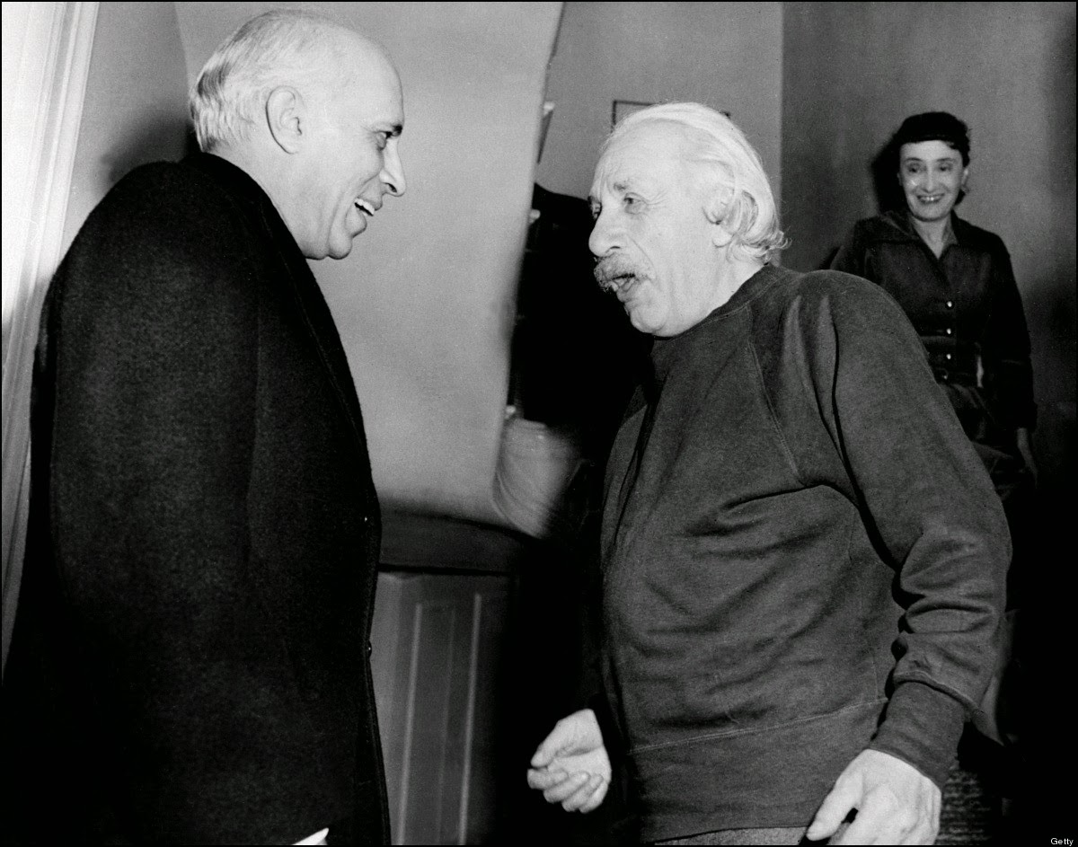 Jawaharlal Nehru meeting Albert Einstein at Princeton, USA, 1949